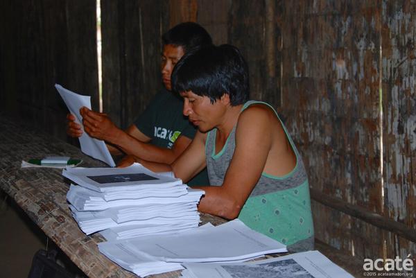 Jovens xamãs e a nova enciclopédia (Imagem:infoamazonia)