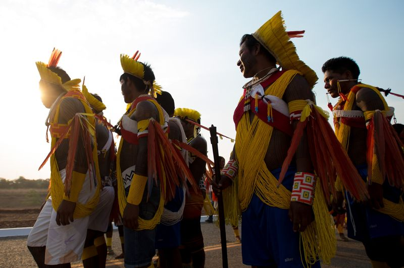 Palmas/TO - Índios Kaiapó fazem apresentação espontânea durante coletiva de imprensa (Marcelo Camargo/Agência Brasil)