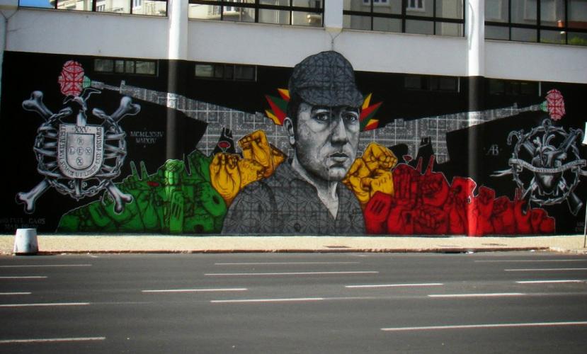 Um mural pintado na Faculdade de Ciências Sociais e Humanas da Universidade Nova de Lisboa. (Imagem: Reprodução Street Art em Lisboa)