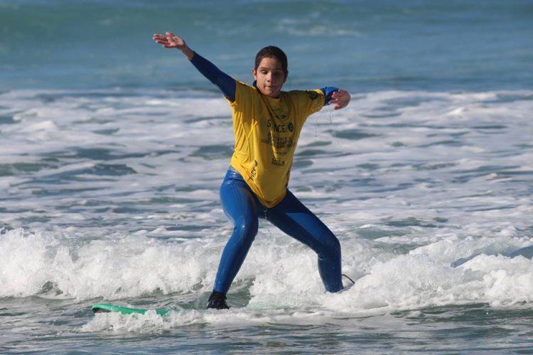 Marta João, a jovem invisual portuguesa que conquistou o bronze no Mundial de Surfe adaptado