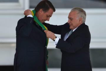 Direita toma posse no Brasil