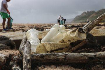 plastico nos oceanos